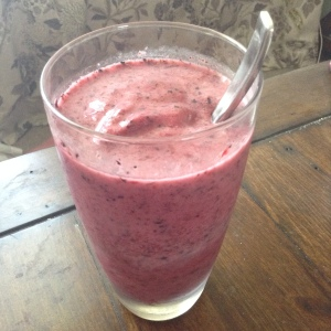 Berry digestion smoothie